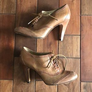 Shoes - Brown heeled booties